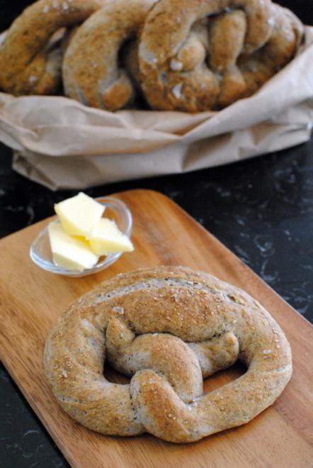buckwheat bretzel, bretzel al grano saraceno 1