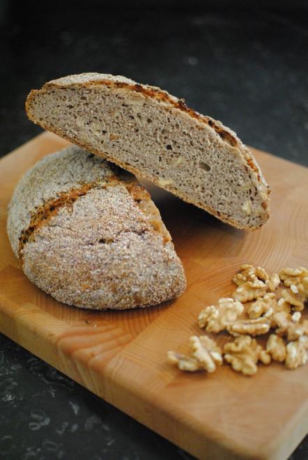 Chestnuts Flour and Walnut Bread - Pane alla farina di castagne e noci 2