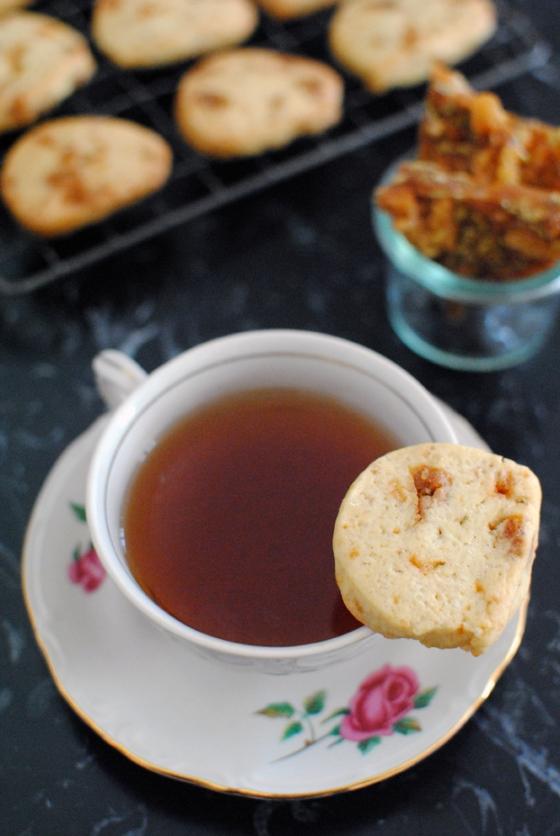 Biscotti al croccante di pane raffermo e semi di finocchio 1
