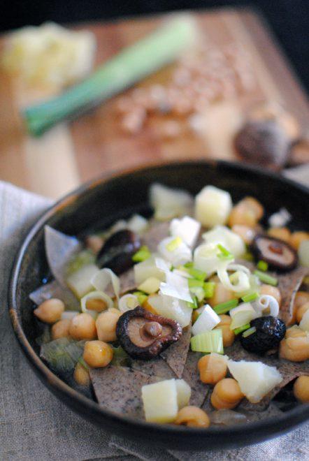 Pasta di grano saraceno in brodo autunnale 2